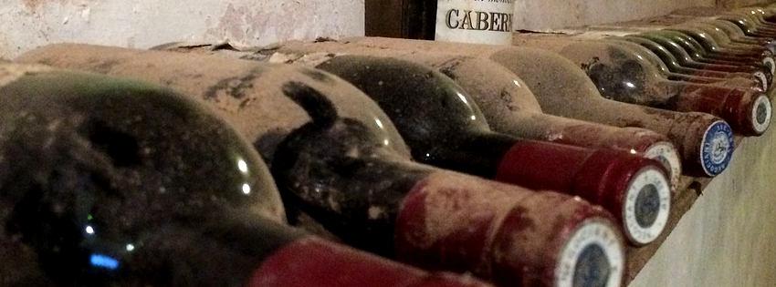Pourquoi coucher une bouteille de vin pour la conserver est un mythe ?